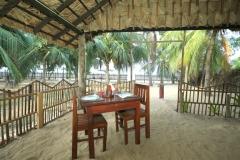 high-park-hotel-trincomalee-nilaveli-restaurant1